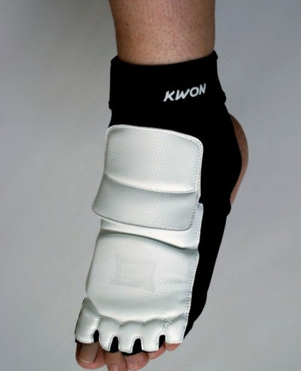 KWON Evolution Instep guard, black/white, sizes XS-XL